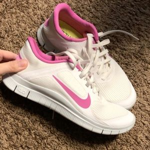 Brand new never worn women's Nike shoes